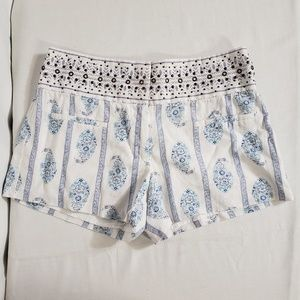Victoria Secret Linen Blend Paisley Shorts Studs 0